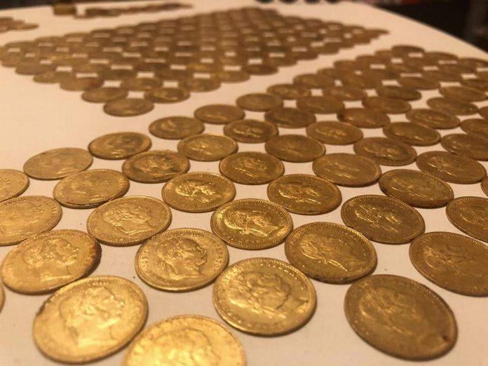 skarb-zlotych-monet-696x522.jpg