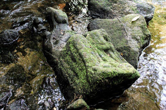 kamienna rzeźba Marki Boskiej XIV wiek