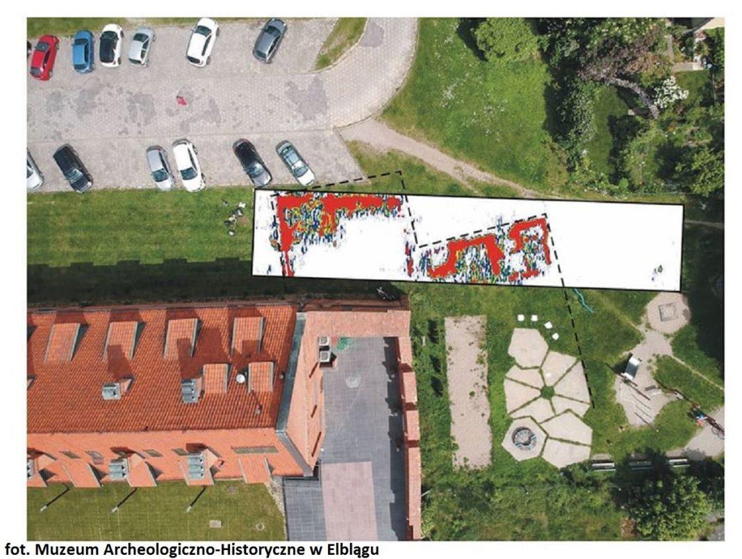 fundamenty krzyżacki zamek w Elblągu