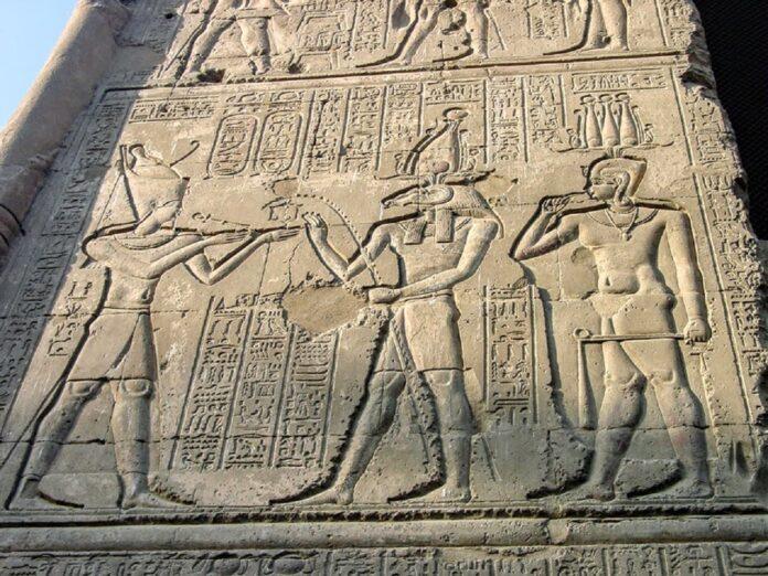 egipski relief