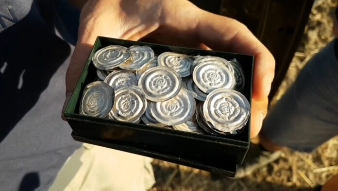 srebrne brakteaty monety