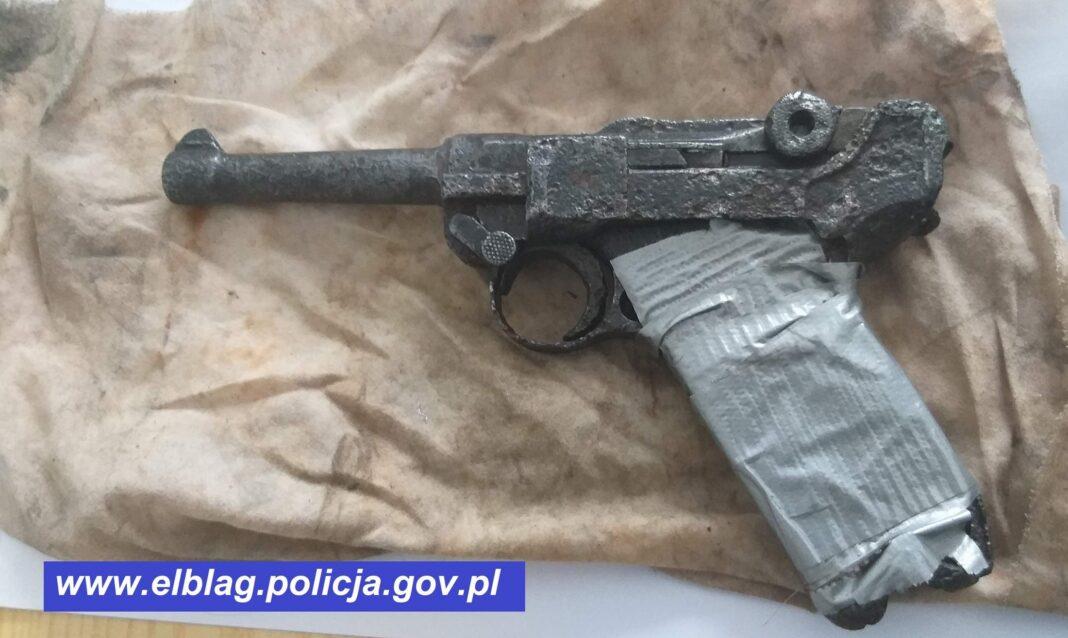 Pistolet Parabellum P-08