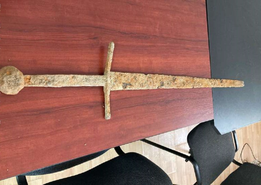 żelazny miecz z XVI wieku