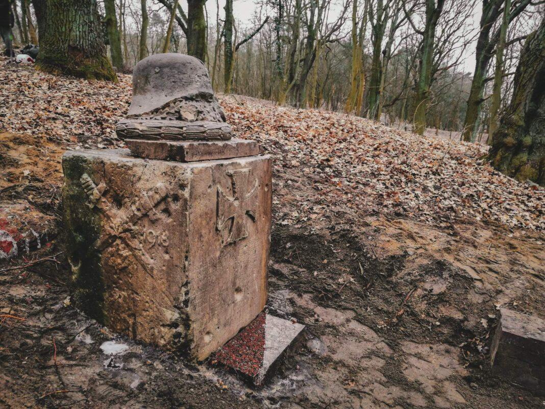 Pomnik upamiętniający poległych w I wojnie światowej mieszkańców Żydowiec
