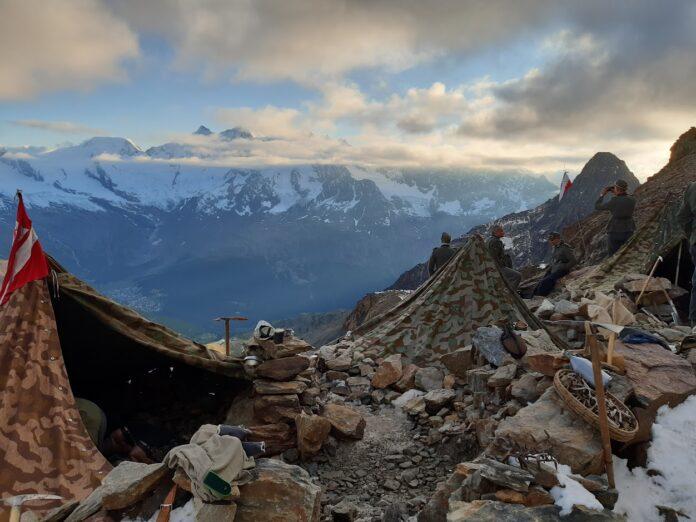 Alpy namioty rekonstruktorow