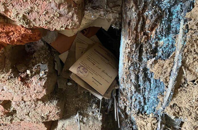 Niemiecka skrytka z okresu II wojny światowej ukryta w ścianie