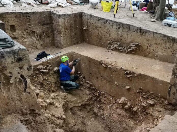 pracownia krzemienia wykopaliska